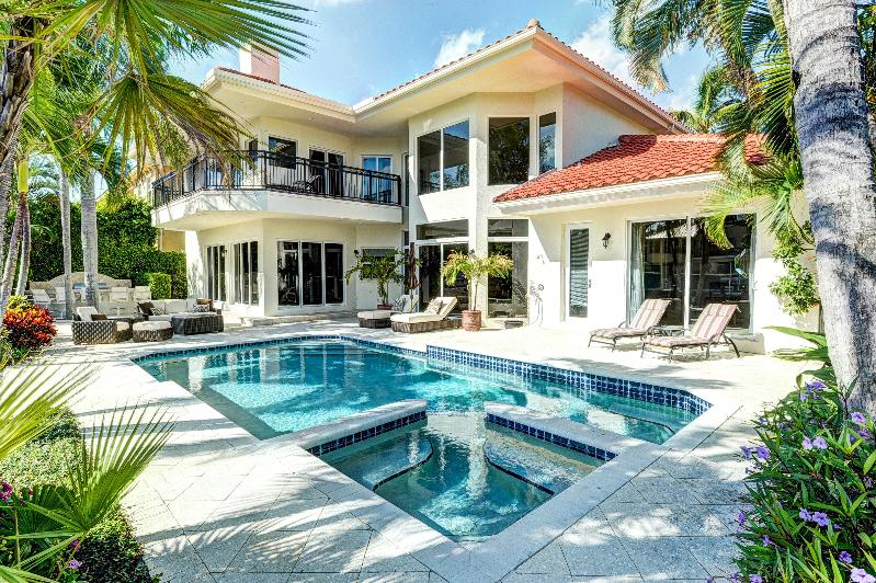 Find Luxury Holiday Rentals in Florida, Britain, Italy, Spain, & Europe...